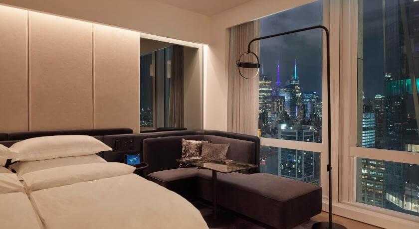 Equinox酒店豪华天际线景客房